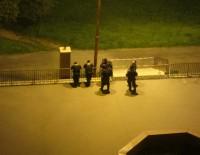 Охрана порядка рядом с общежитием